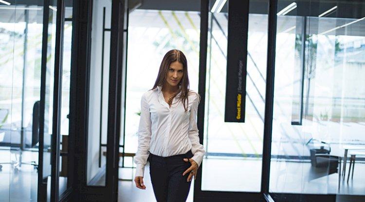 İş kadınlar için Ofis Sporu