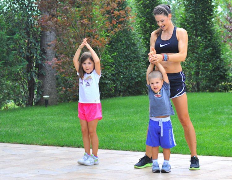 STRETCHING WITH MY KIDS