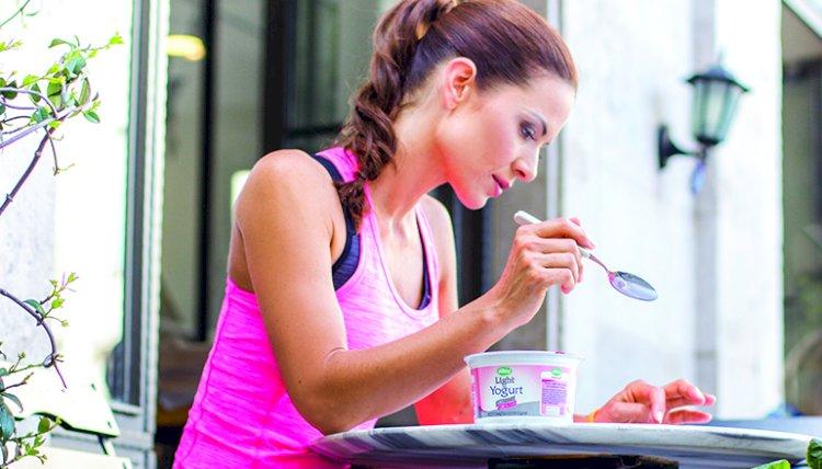 FULL FAT OR DIET YOGHURT?