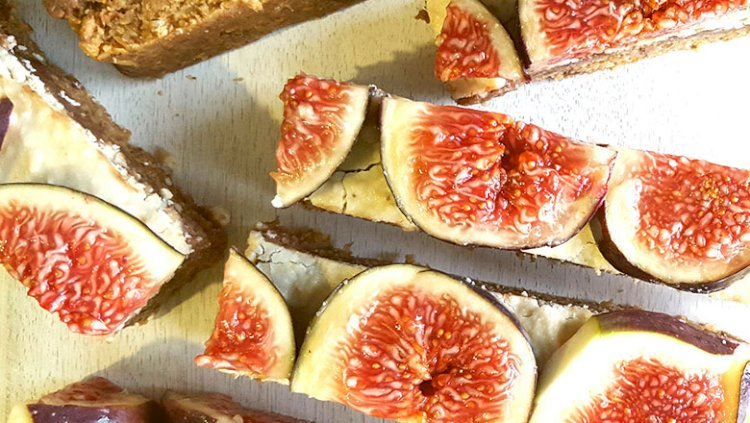 Protein stuffed fig slices