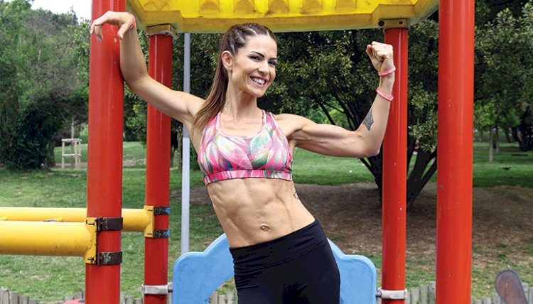 Fit moms on the Playground