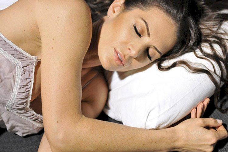 Uyuyan güzel: 7 Saat mutlaka uyumalısınız